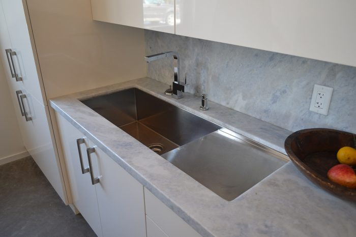 dsc_0068-accessory-stainless-steel-sink-with-draining-board-min
