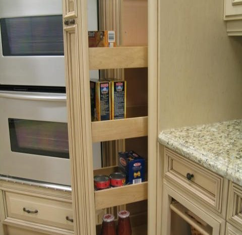 img_1186-accessory-pantry-pull-out-min